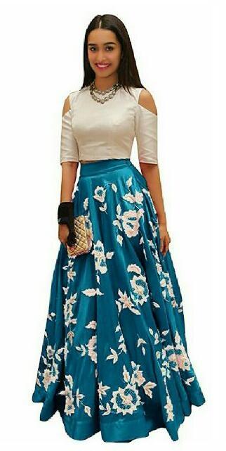 55cefbb106d Stylish Bollywood Actress Shraddha Kapoor Trendy Look Taffeta Silk  Embroidered Semi-Stitched Crop Top Lehenga