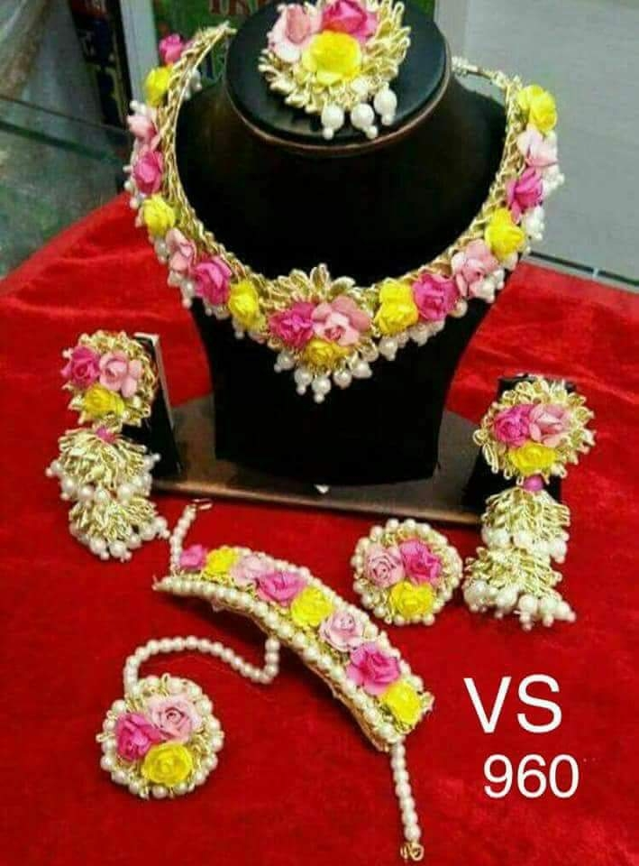 49d33ca748866b Buy Gotta Patti and flower jewellery online from pari creation