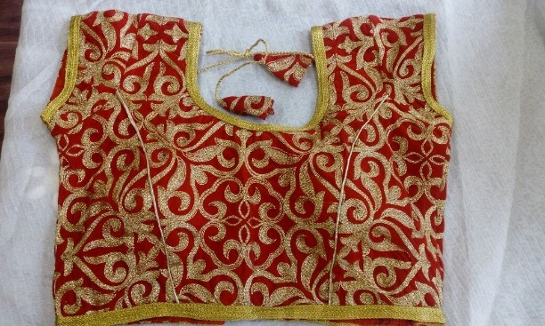 5efda1b6f34eef Buy Red Golden readymade blouses online from Vetri's Fashions